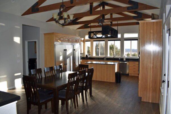 Lodge dining-kitchen
