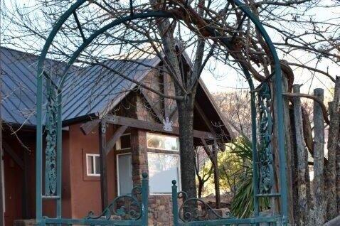 Lodge entry gate