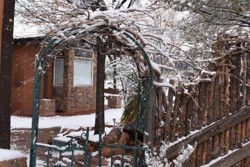 Lodge gate snow