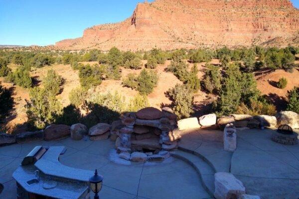 Lodge outdoor kitchen view