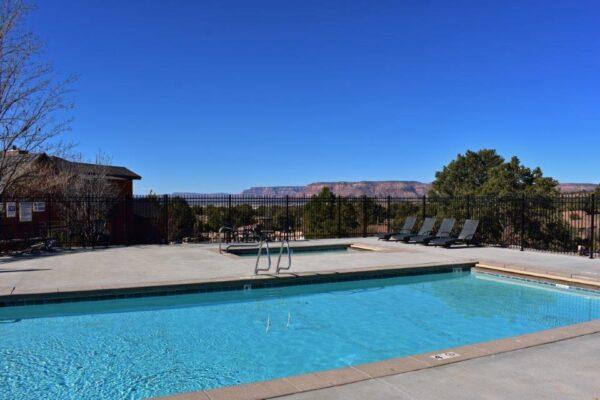 Lodge pool-spa