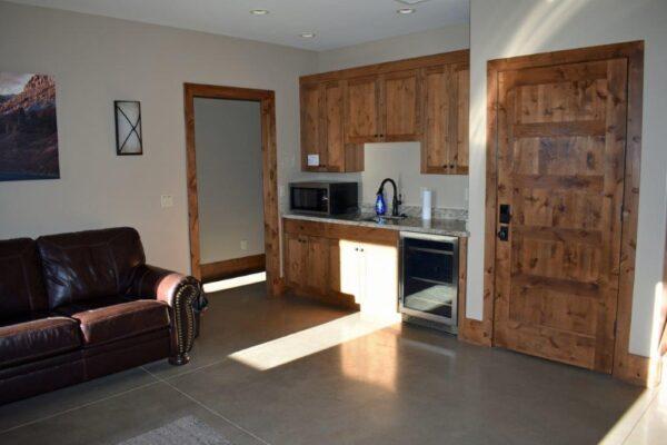 Retreat entry room 2
